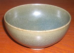 宋朝 - 青瓷官窑碗